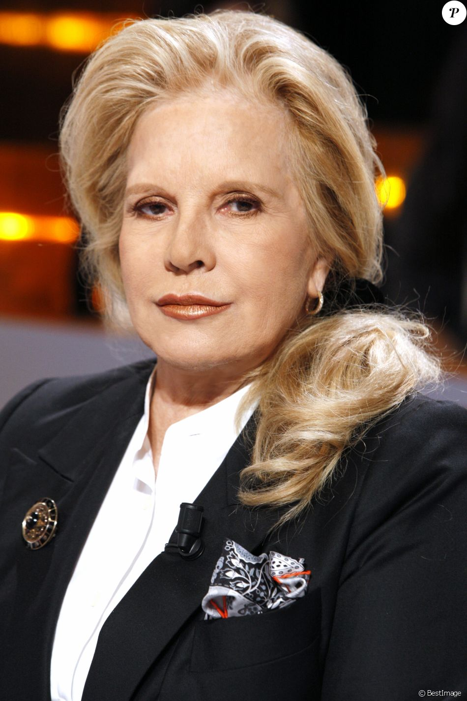 Conversation with sylvie vartan, who's back in bulgaria for the first time since she fled the country at age 7 with her parents. Portrait de Sylvie Vartan - 11/04/2016 - Paris - Purepeople