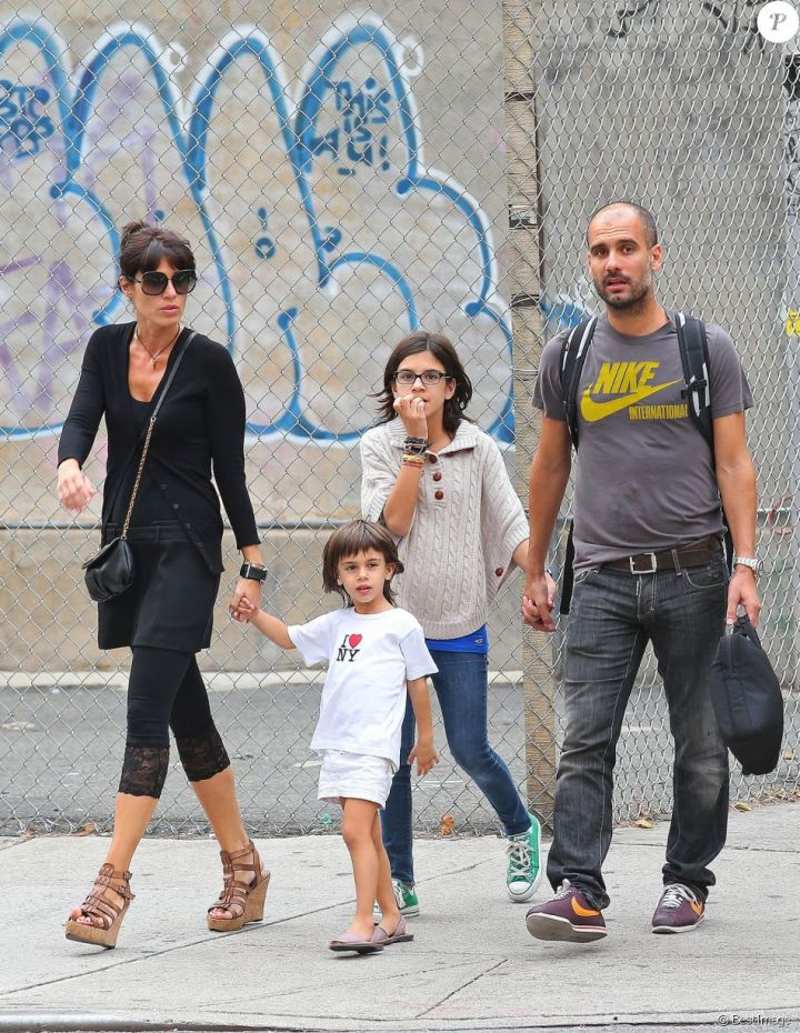 Pep Guardiola, his wife Cristina and two of their children, in New York on September 14, 2012