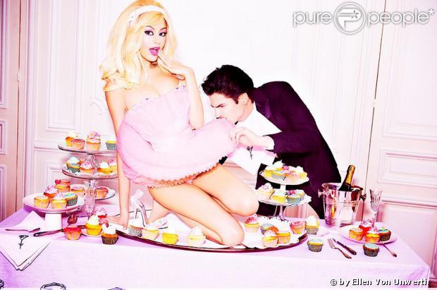 Zahia Dehar, divine comme une sucrerie par Ellen Von Unwerth pour la  Gâteau-bonbon.