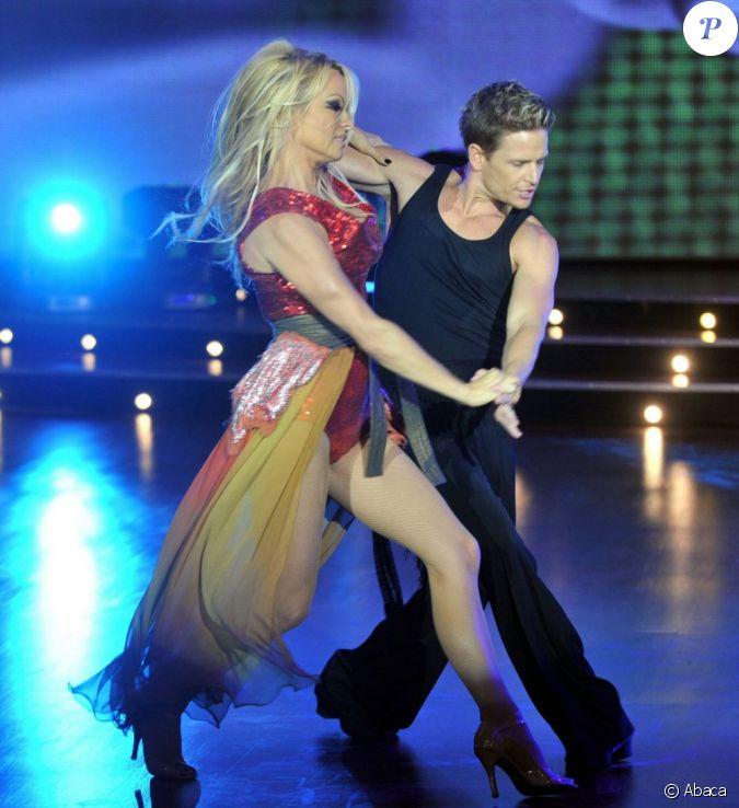 Pamela Anderson Participe à La Version Argentine De Danse