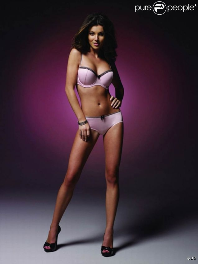 Nadya Nepomnyashaya, mannequin ouzbek remarqué dans le clip de Break your heart de Taio Cruz, présente la collection Atlantis de la marque de lingerie Panache.