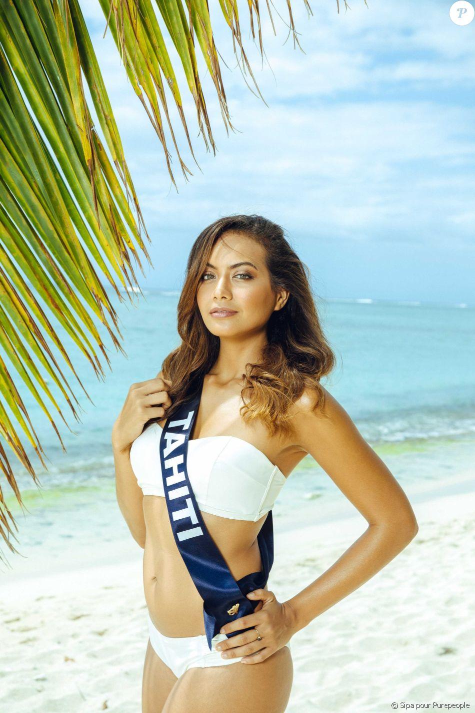 Miss Tahiti en maillot de bain lors du voyage Miss France 2019 à l'île Maurice, en novembre 2018.