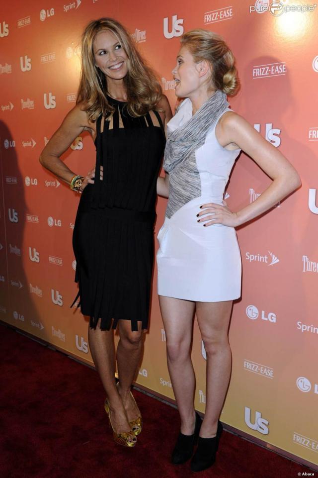 Elle Macpherson Et Sara Paxton A Loccasion De La Soiree Us Weeklys 25 Most Stylish New York Event A Lavenue A New York Le