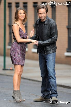 David Duchovny et Natalie Zea, sur le tournage de  Californication , à New York, le vendredi 20 avril 2012.
