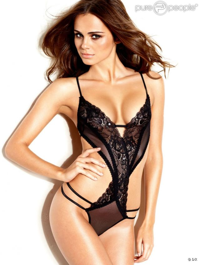 Xenia Deli, ultra sexy pour Frederick's Of Hollywood.