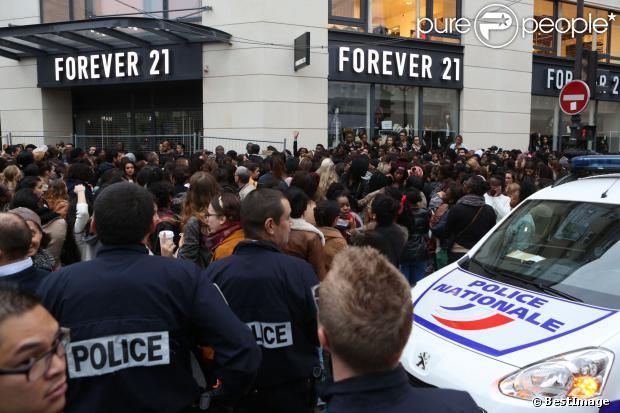 Emeutes lors de l'ouverture du magasin Forever 21 à Paris, le samedi 26 octobre 2013.