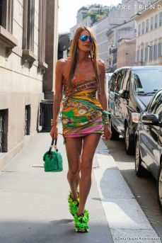 https://i0.wp.com/static1.puretrend.com/articles/2/66/63/2/@/721728-anna-dello-russo-637x0-2.jpg?resize=229%2C343