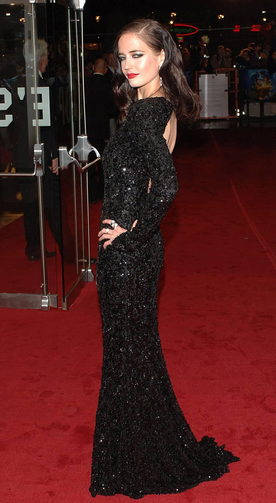 Eva Green est plus belle que jamais dans ce fourreau noir rebrodé de sequins pour l'avant-première de