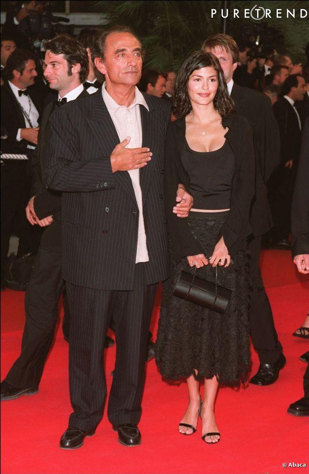 """Discrète apparition d'Audrey Tautou dont le film """"Le Fabuleux Destin d'Amelie Poulain"""" vient tout juste de sortir dans les salles en 2001."""