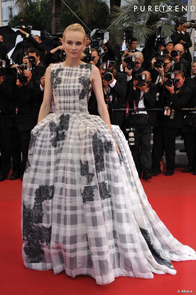 Finit les robes sobres pour Diane Kruger devenue une icone mode depuis sa première apparition à Cannes. En 2012, elle impose son style audacieux en tant que membre du jury.