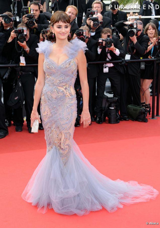 """En 2011 c'est en actrice hollywoodienne reconnue que Penelope Cruz foule le tapis rouge pour la première de """"Pirates des Caraïbes : La Fontaine de jouvence""""."""