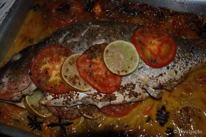 Apesar de ser especialista em crepes, Le Castellet também oferece pratos à base de peixes e carnes no cardápio
