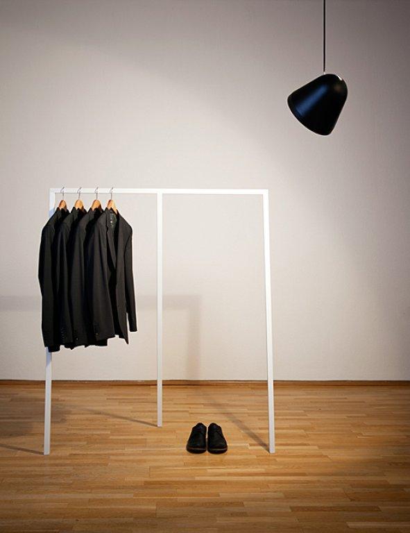 Kleiderstange  und wie man sie inszeniert  SCHNER WOHNEN