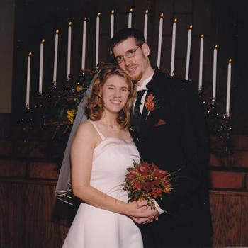 In praise of my unspectacular prePinterest wedding