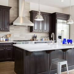Stone Kitchen Backsplash Motion Faucet When To Use A Natural And Not Designed Vein Cut Limestone Tile With Quartz Countertops Designer Carla Aston Photographer