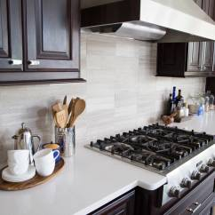Kitchen Backslash Remodel And Bathroom When To Use A Natural Stone Backsplash Not Designed Vein Cut Limestone Tile With Quartz Countertops Designer Carla Aston Photographer
