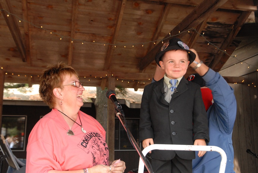 used restaurant chairs oversized chair canada dorset, minnesota just elected a 4-year-old mayor — the airship