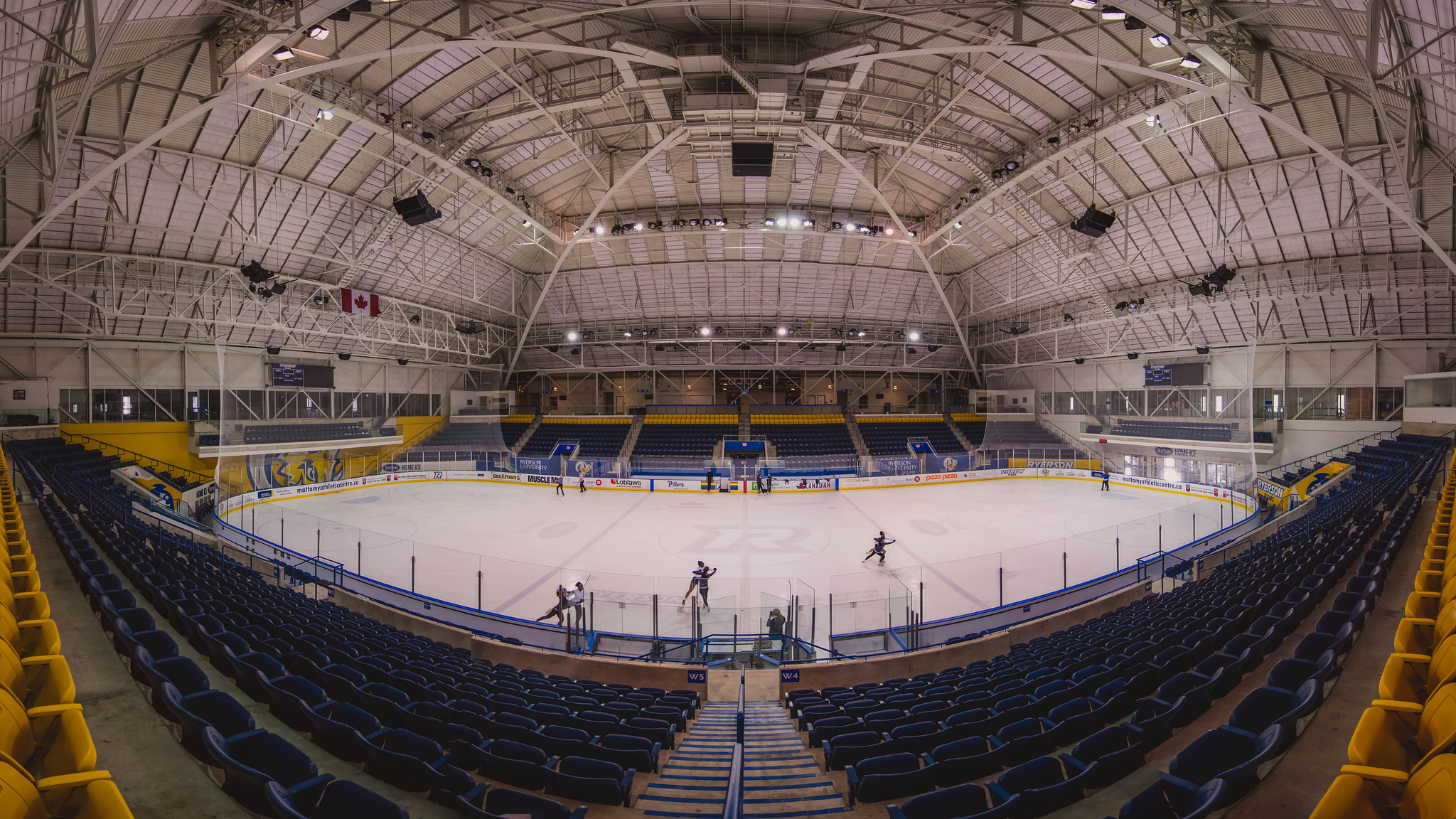 Maple Leaf Gardens (Panorama) (1/250s, f/4, ISO800)