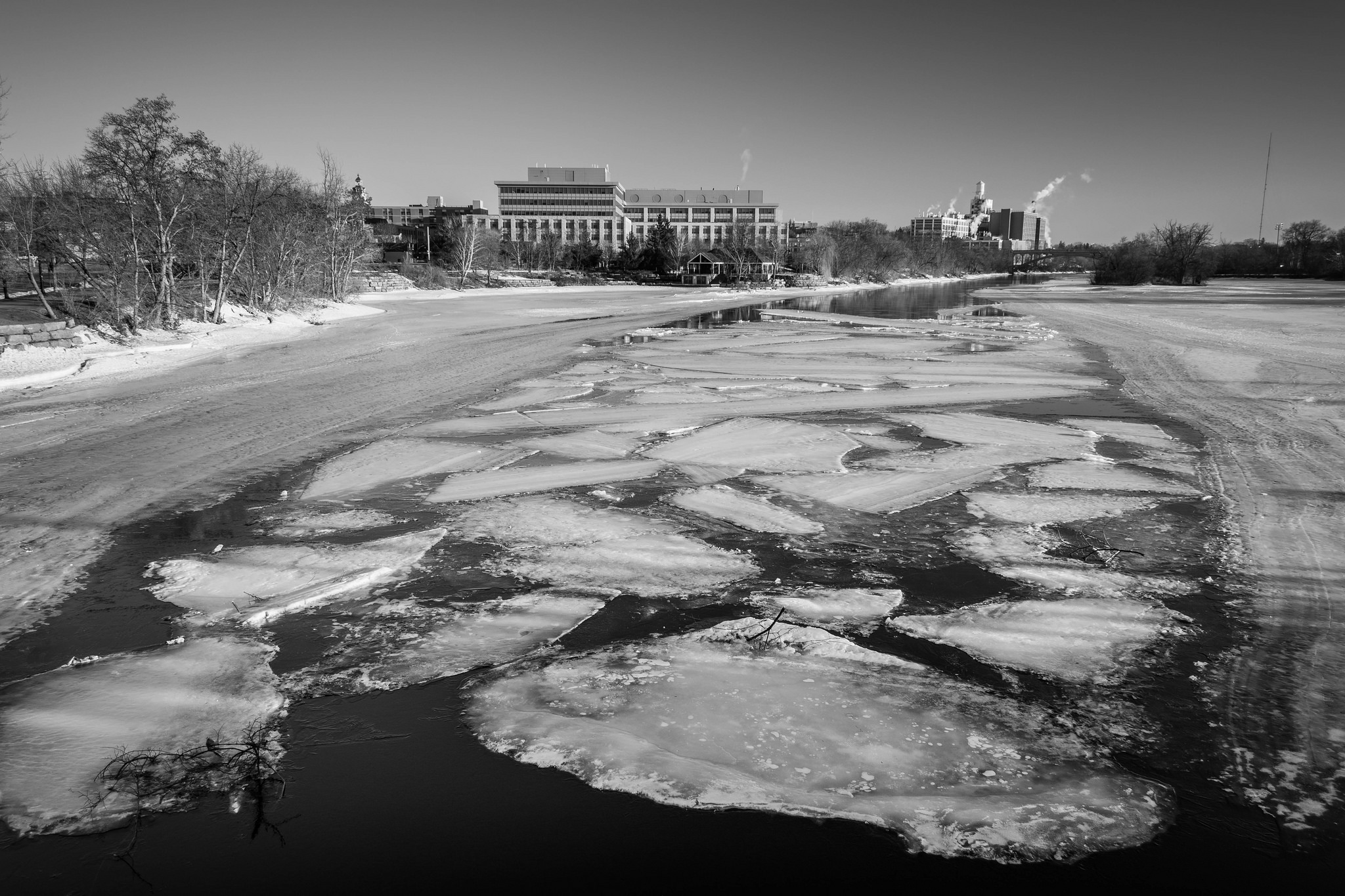 Ice Flow on the Otonabee River (1/80s, f/6.3, ISO100)