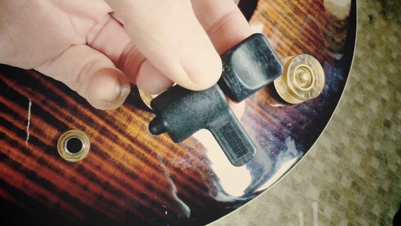 small resolution of tighten guitar jacks from the outside