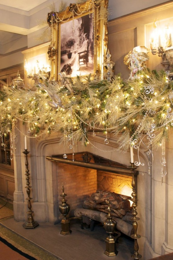 White Fireplace Mantel Christmas Decorating Ideas