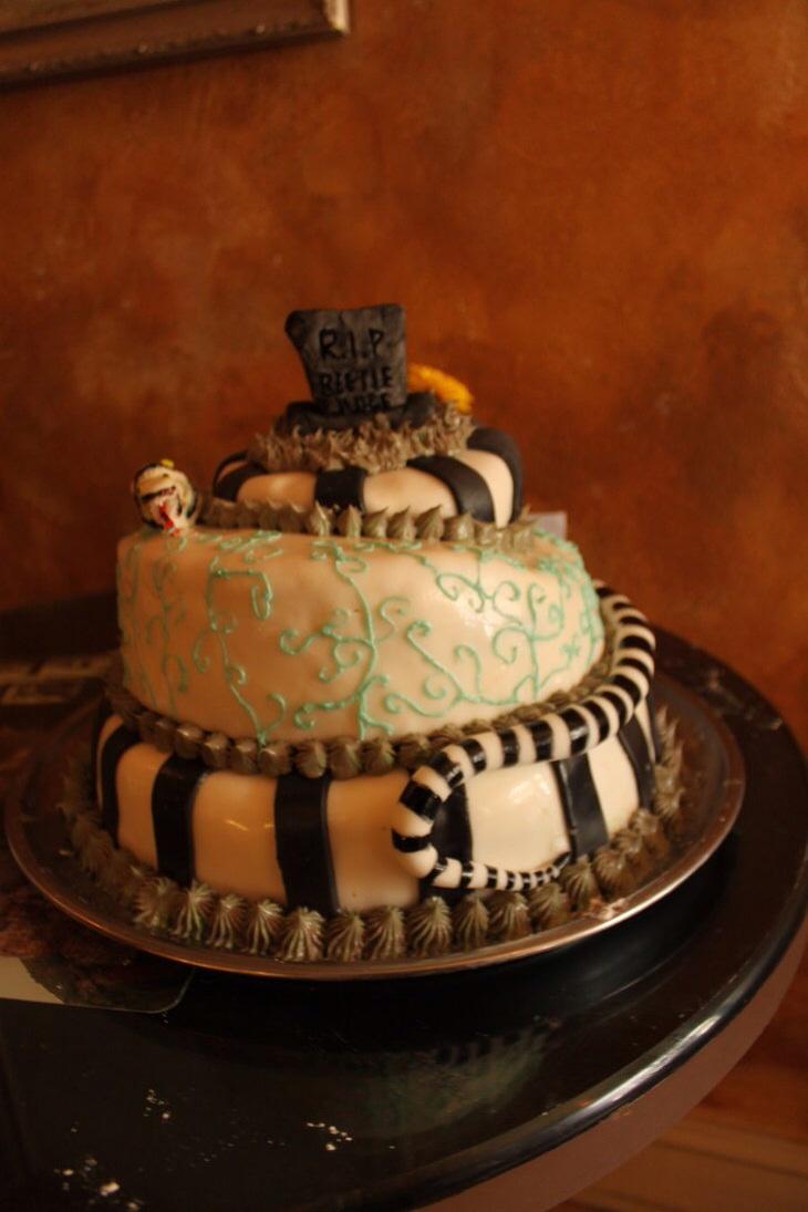 28 Beetlejuice Themed Birthday  Wedding Cakes  The World