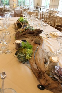 Using Driftwood Centerpieces for Weddings