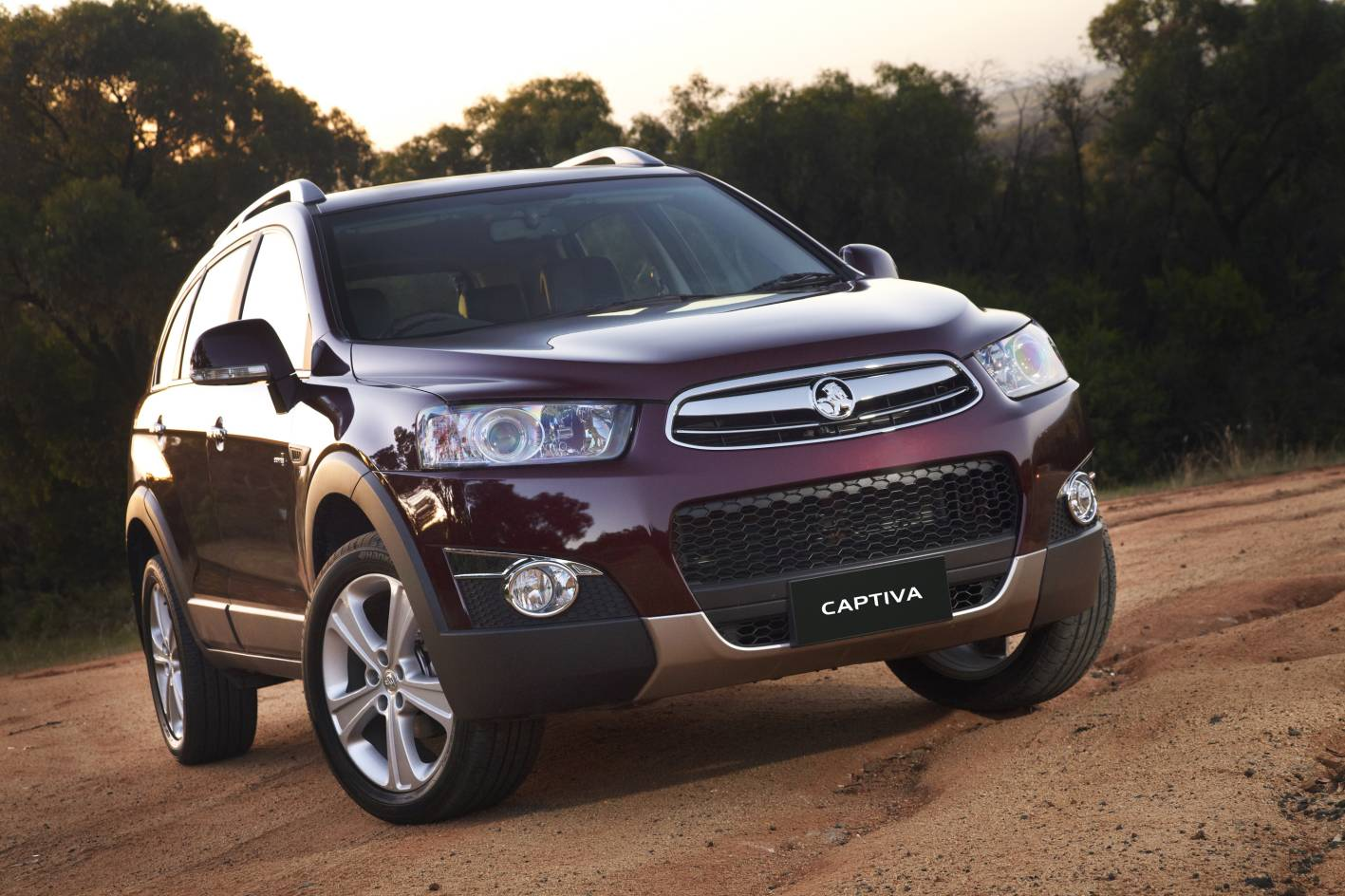 medium resolution of john what are your thoughts on the holden captiva ltz i am looking at a mid size suv with 7 seat capability which will be seldom used