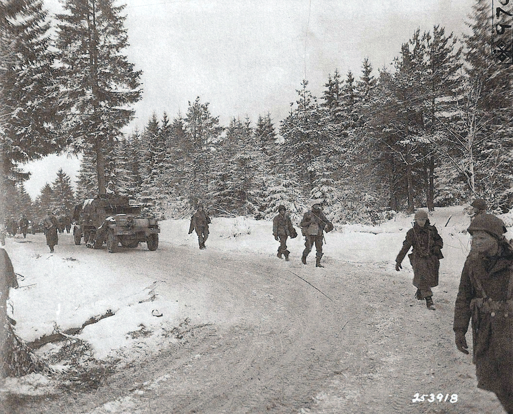 January 21, 1945. Troops of the 17th AB Dision move up toward the front over snow covered roads near Houffalize, Belgium (Signal Corps photo realised by Pvt George H Mallinder - 167 Sig Photo Co. SC 253918).