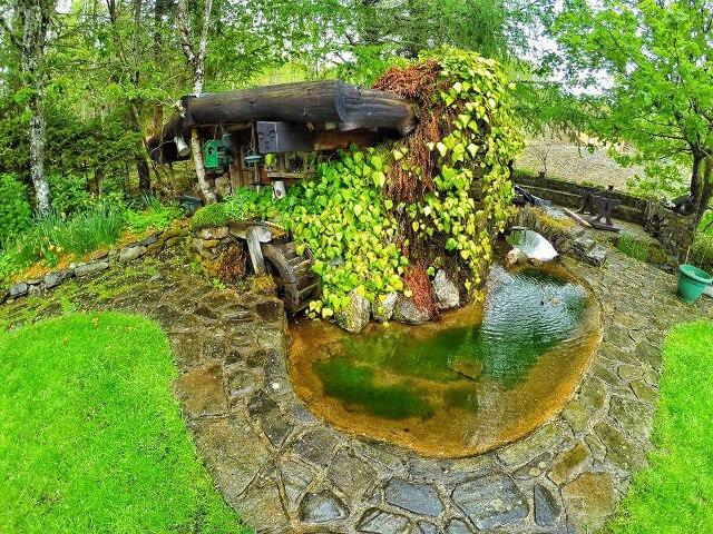 uncles-hobbit-house-4.jpg
