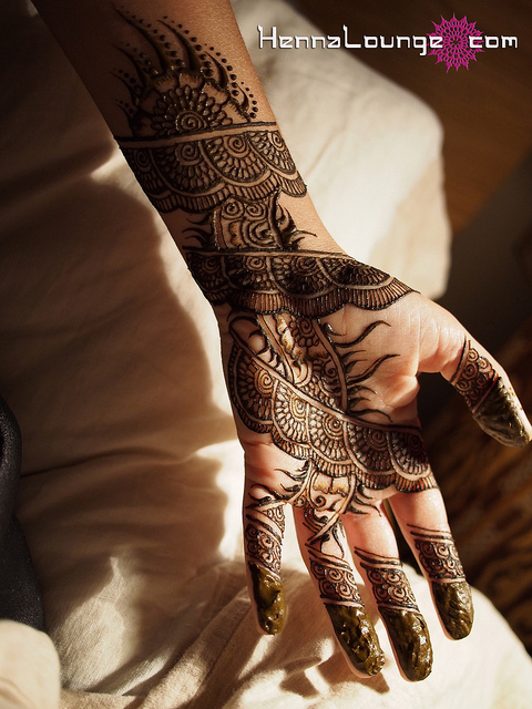 How to Get a Dark Henna Stain in 4 Easy Steps — Henna Lounge