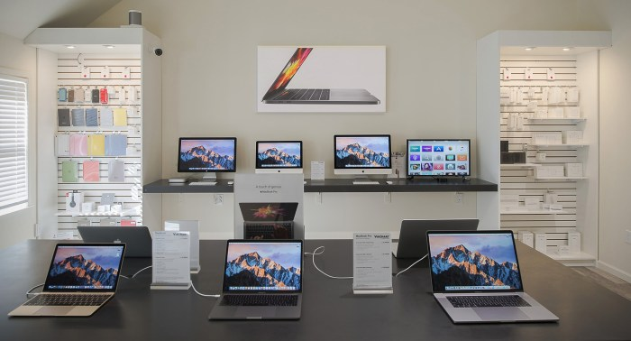 Apple Wall.jpg