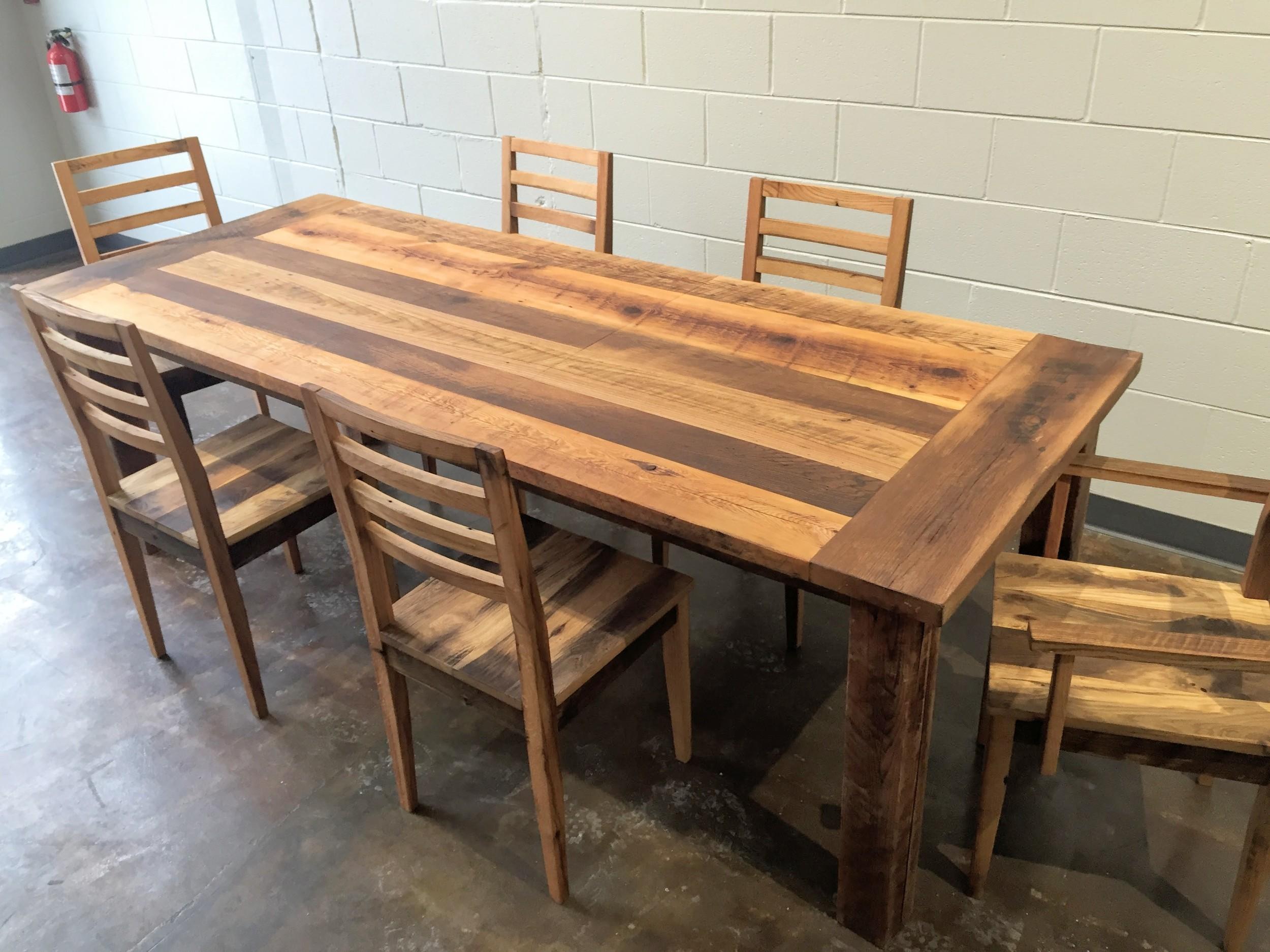 Reclaimed Wood Farmhouse Extendable Dining Table / Smooth