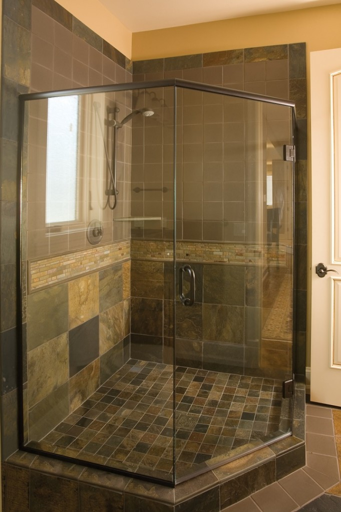 SemiFramed Shower Page  ACE Glass Construction