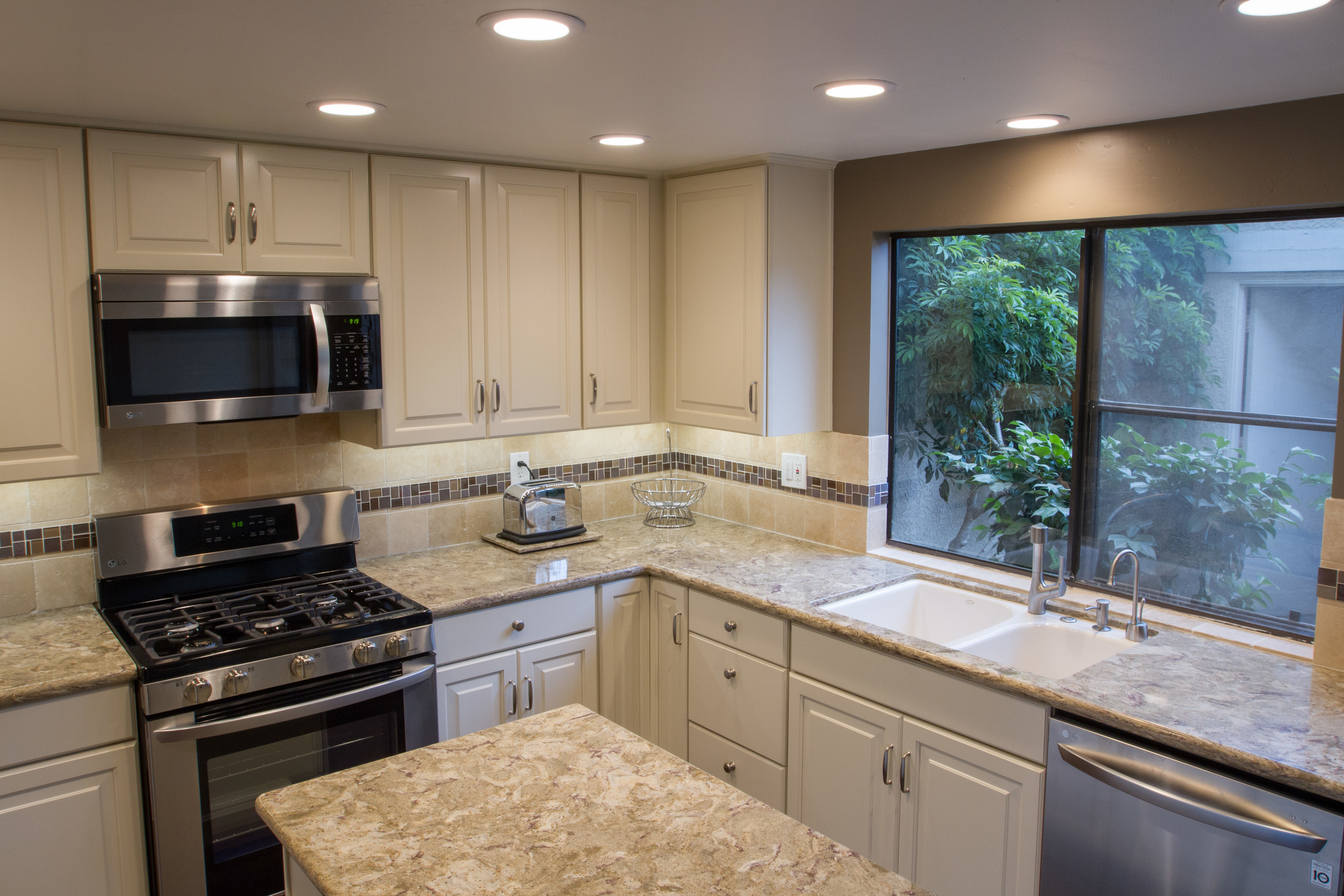 can i paint my kitchen cabinets floor tiles is it a good idea to pros cons