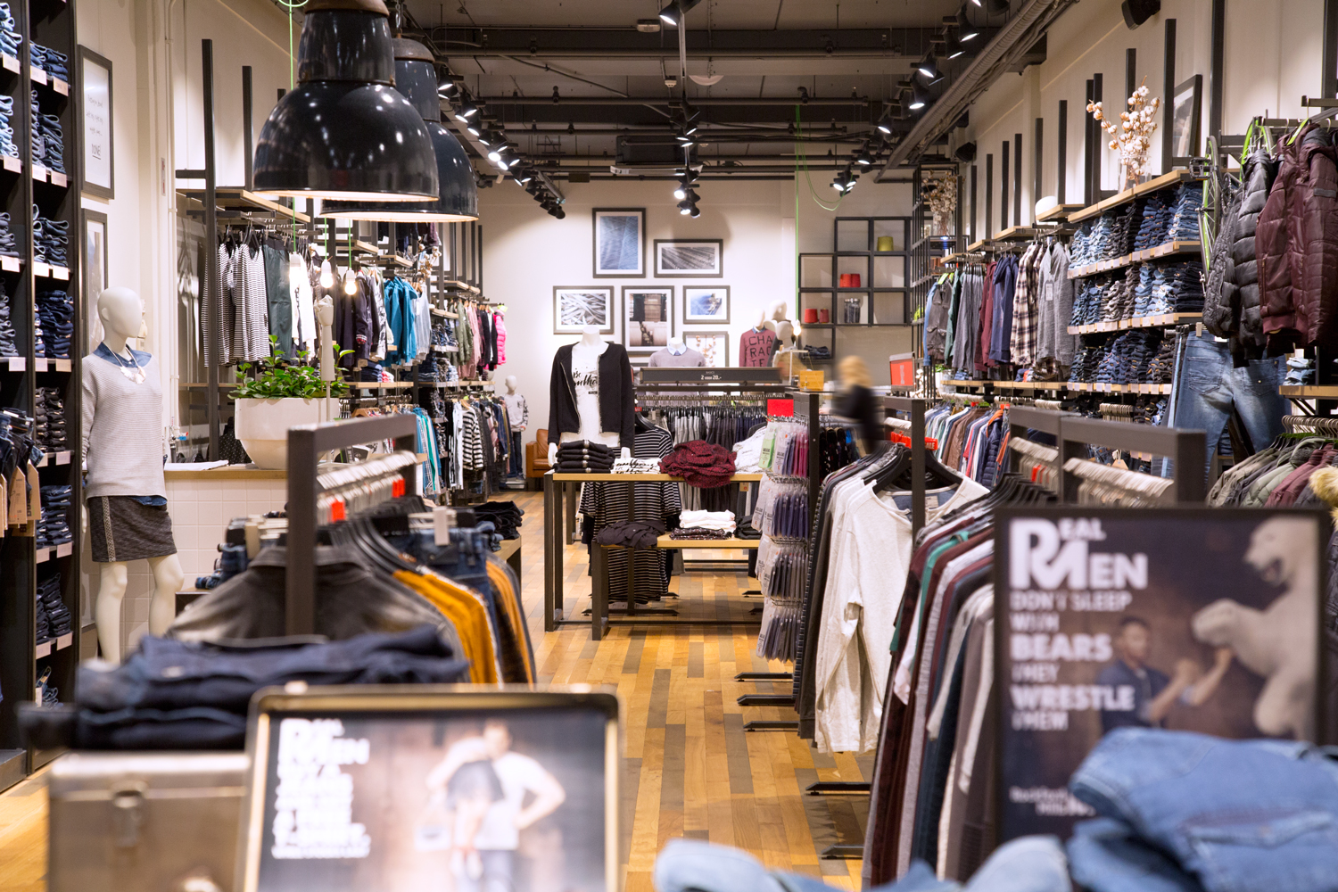 Visual Retailing  From Planograms to Point of Sale 13