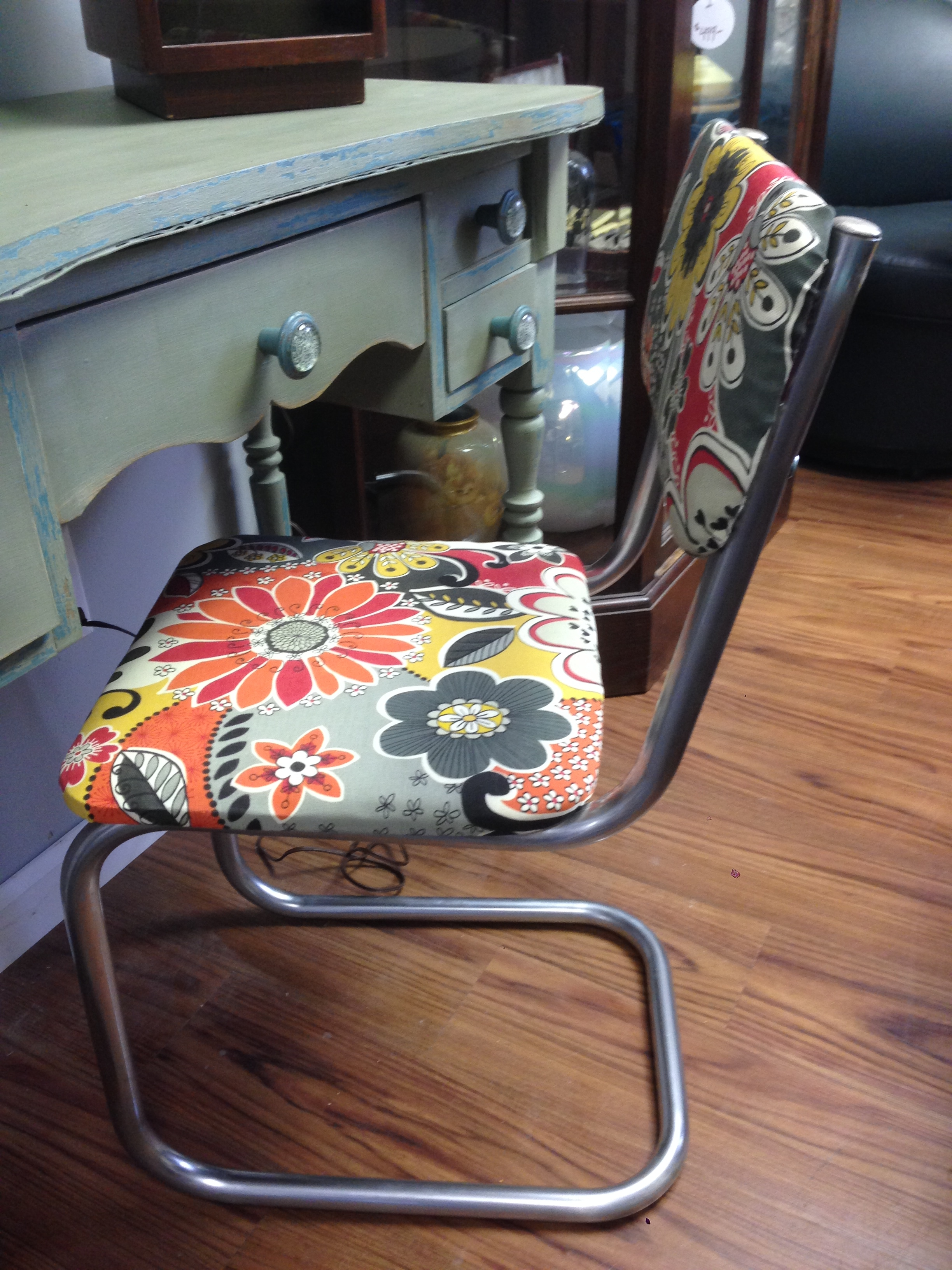 Chairs And Stools Vintage Store Love Furniture And