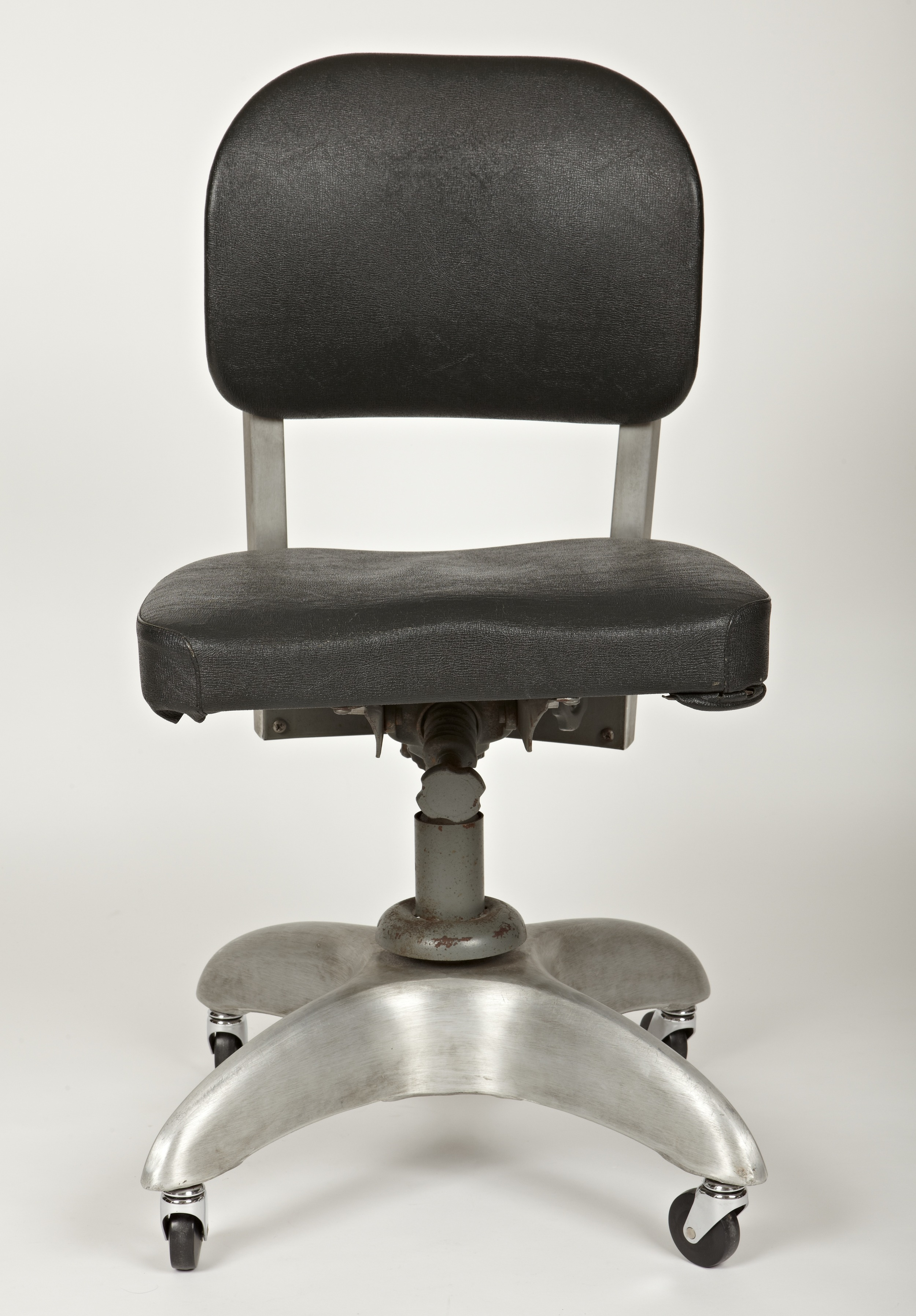desk chair york queen rental good form raji rm interior designer washington dc rma0134201 jpg