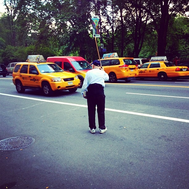 One way to hail a cab (Taken with Instagram at AKA Central Park)