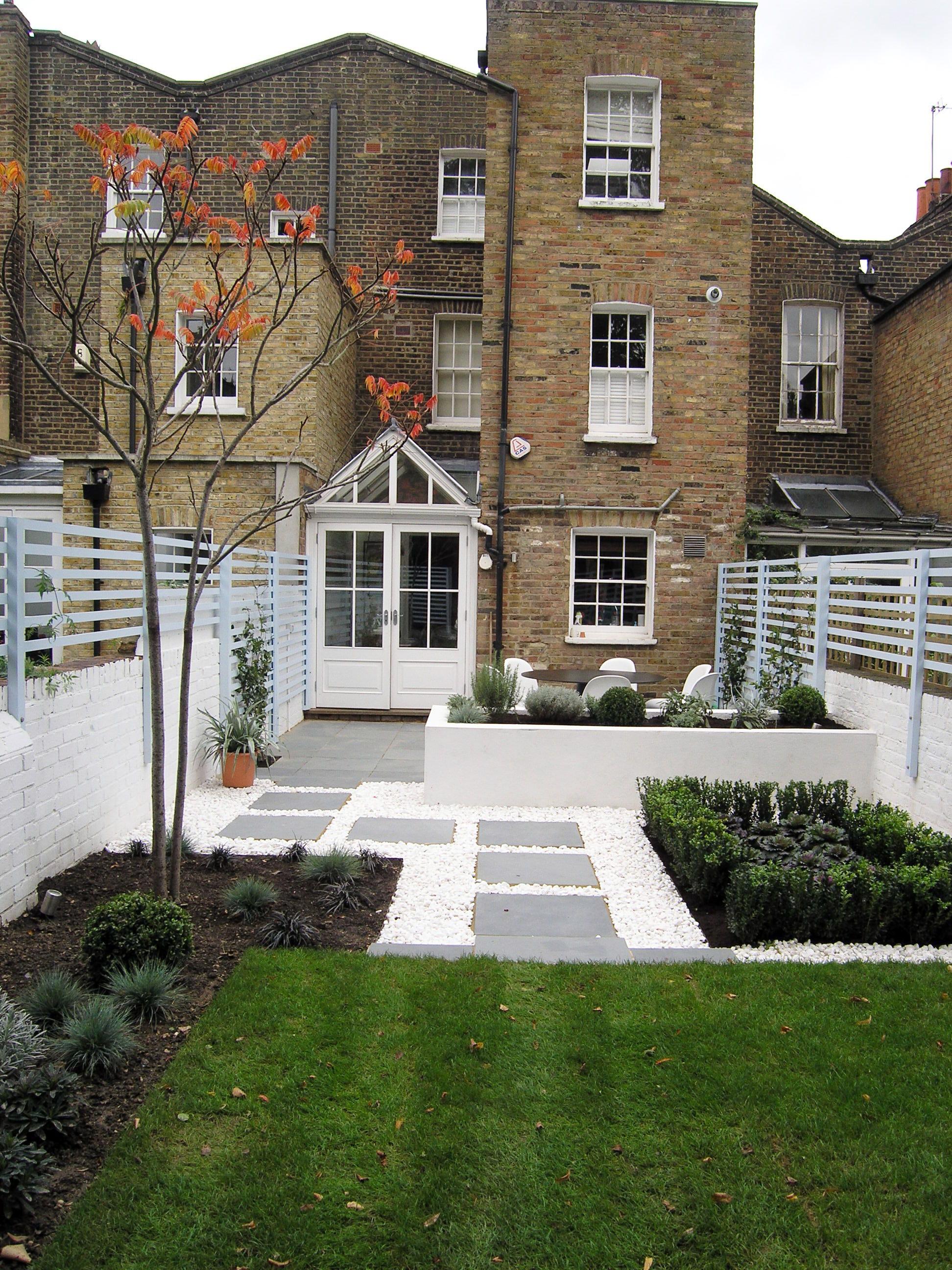 design ideas long narrow living room round sofa furniture contemporary back garden — gardens