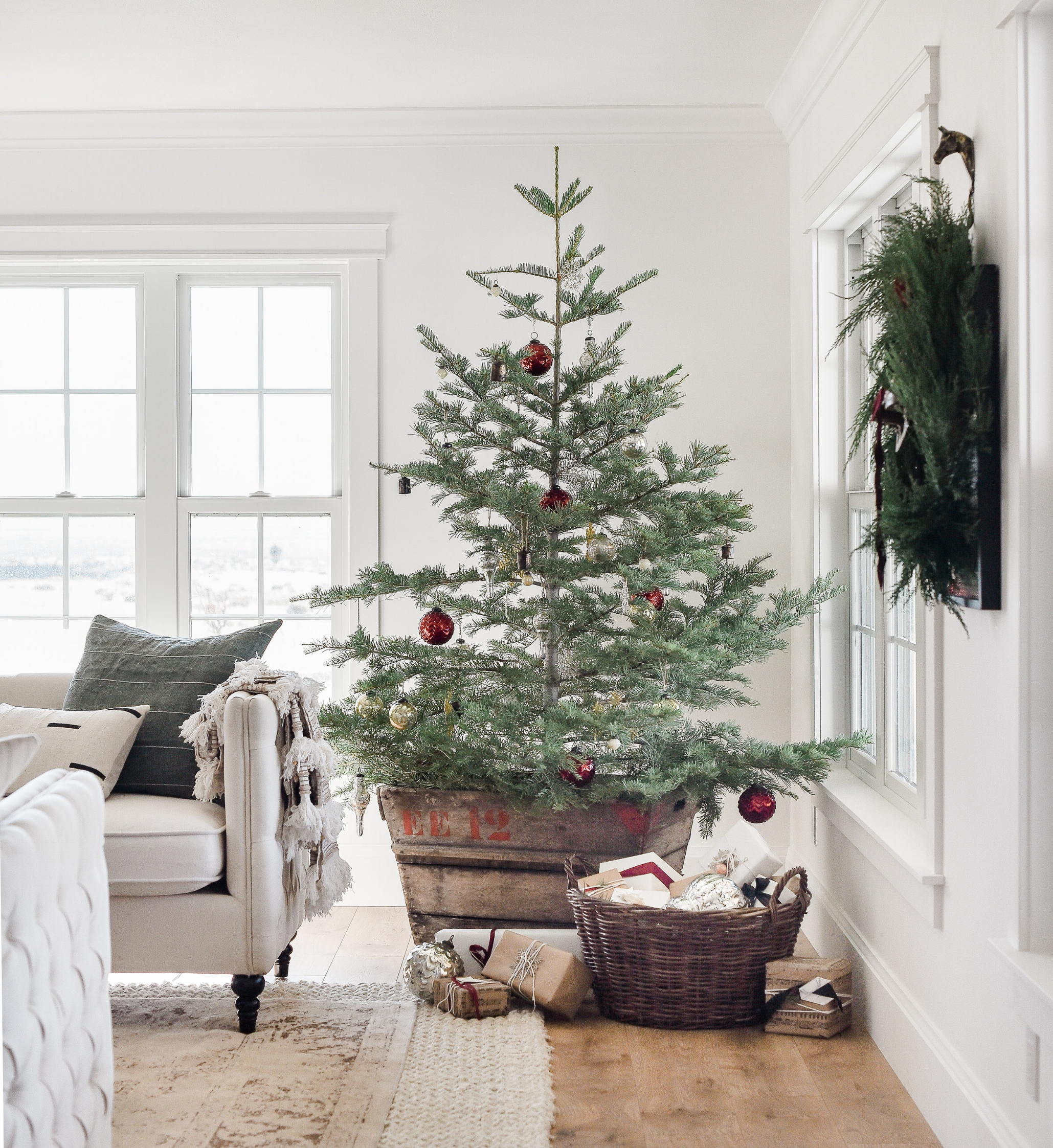 decorate small living room for christmas teal couch farmhouse decor tree ideas boxwood avenue beautiful with vintage decorations on minimal live from boxwoodavenue com