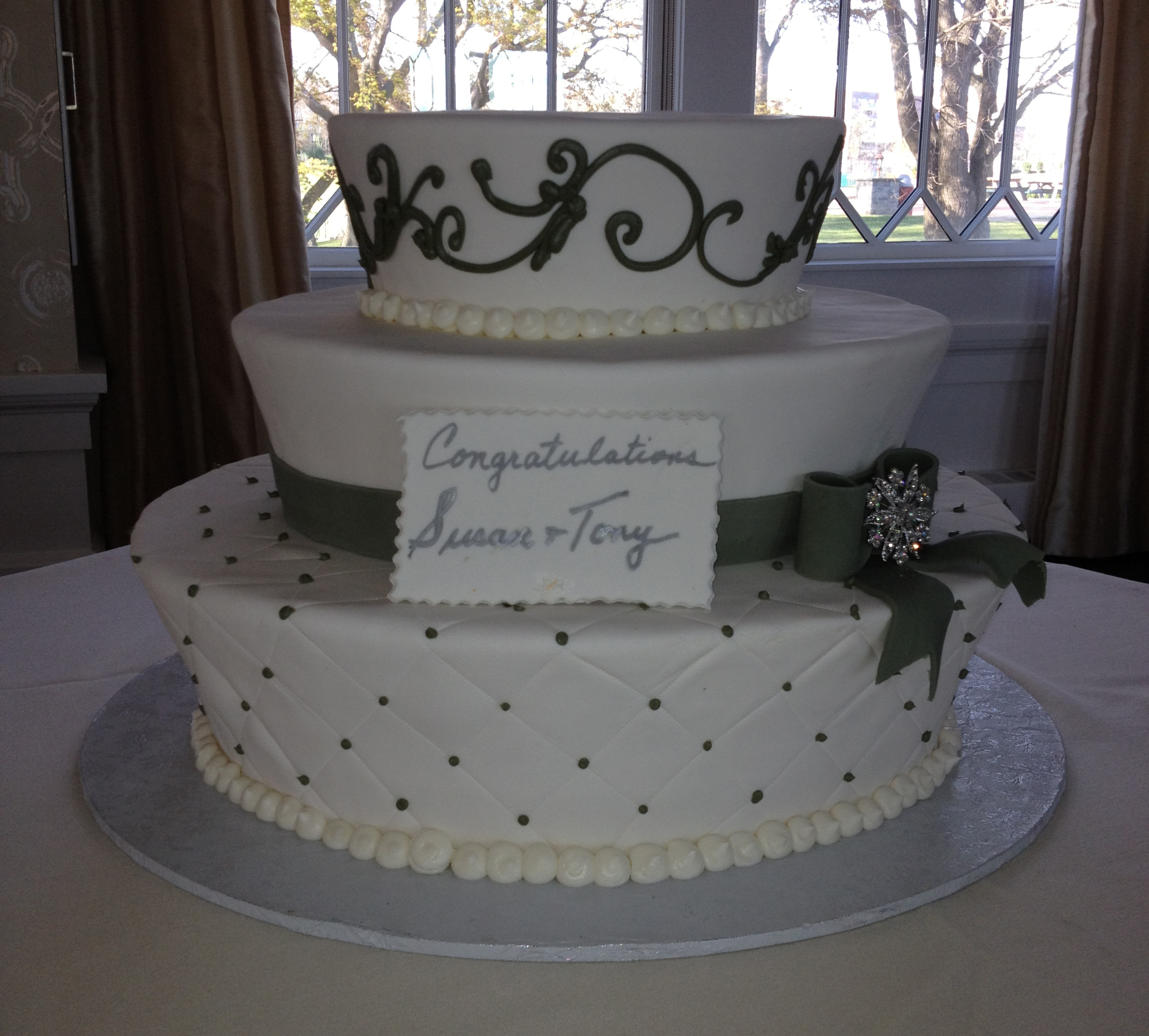 Engagement Cakes Sal Amp Doms Pastry Shop