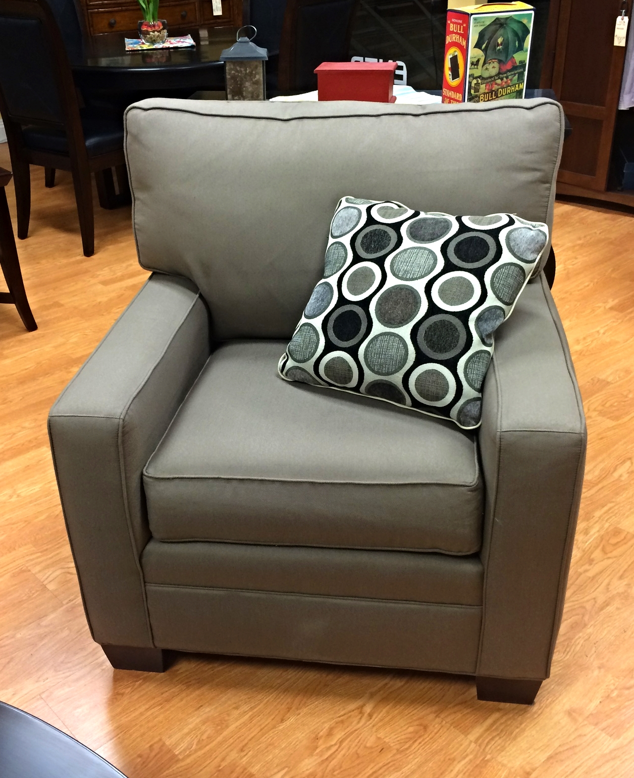oversized upholstered chair outdoor covers at bunnings thomasville taupe furnish this fine
