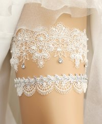 17 Lace Wedding Garters + Garter Sets (all under $50) that ...