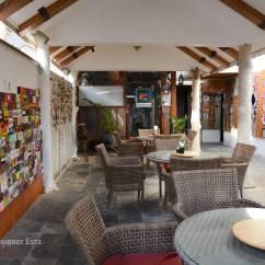 Living Room Cafe Abu Dhabi Cheap Furniture Houston One Day In Arabian Wanderess رحالة عربية Art House