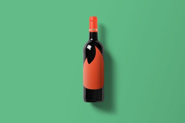 Wine-Bottle-Mockup_tinder.jpg