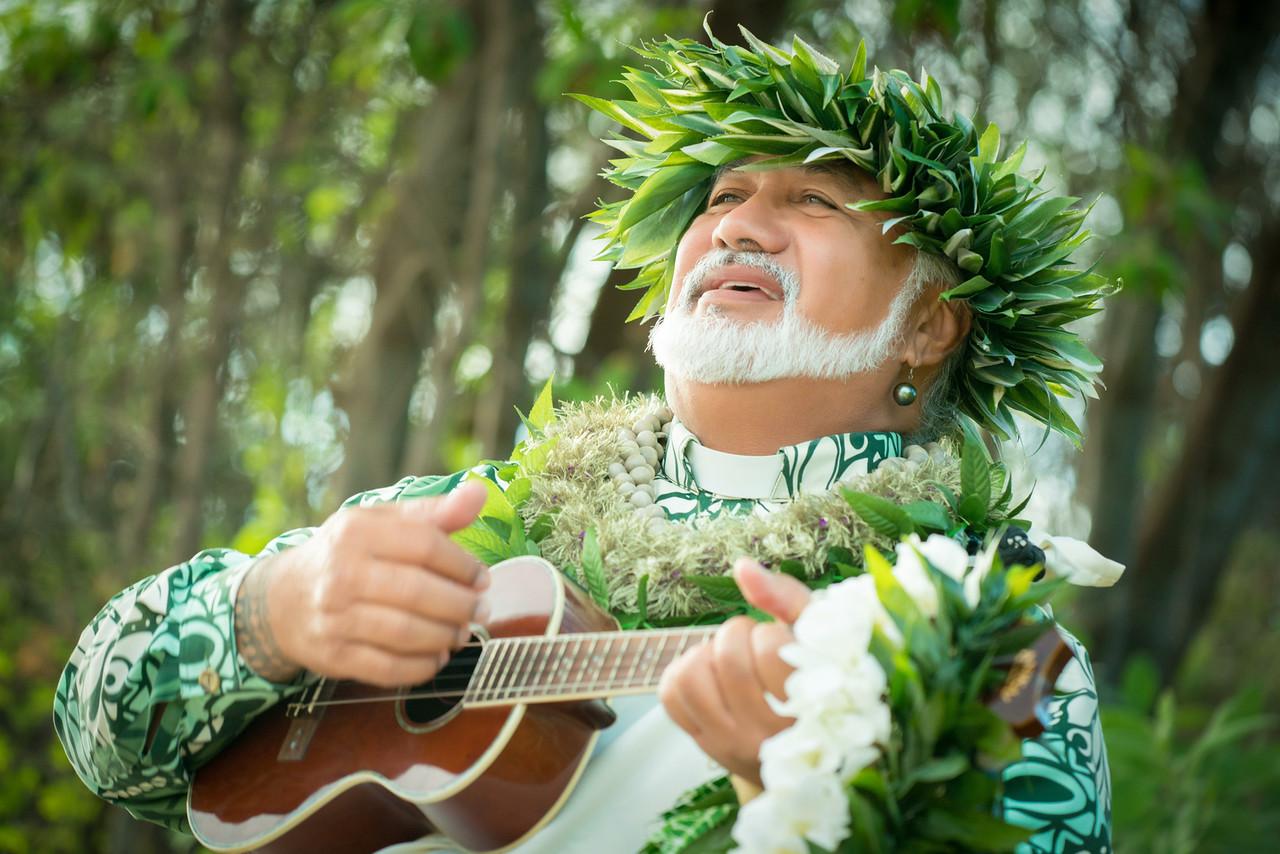 Laki  Maui Minister