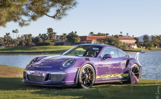 Porsche 911 GT3 RS in grape and mirrors.