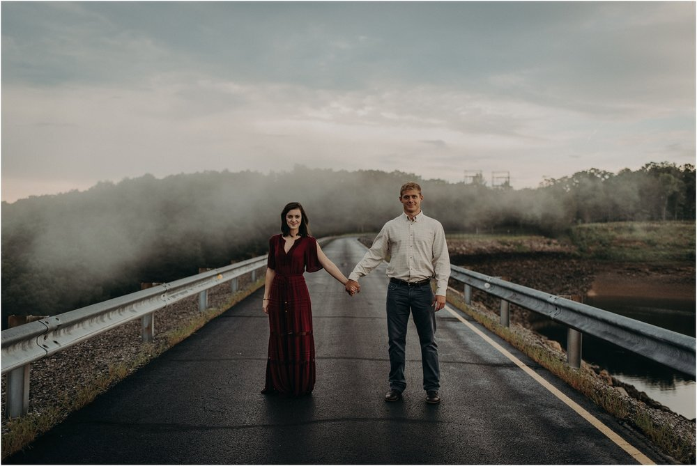 The southern adventures continue and this time we find ourselves in the state of tennessee! Raccoon Mountain Engagement Session Taylor English Photography