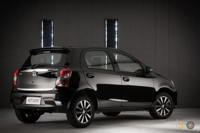 toyota etios platinum hatchback 4+%28A+WEB%29